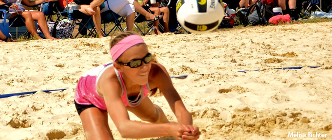 Waupaca Boatride Volleyball Tournament - Junior Diving in Sand