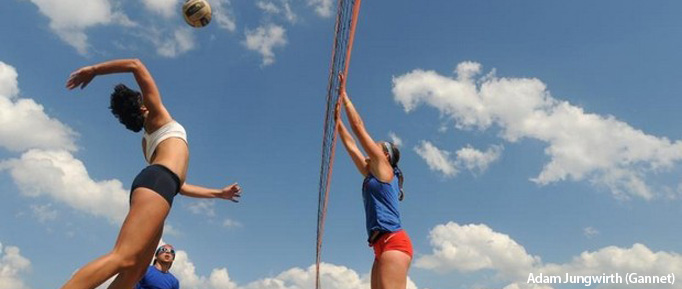 Waupaca Boatride Volleyball Tournament - Reverse Coed Quads Match